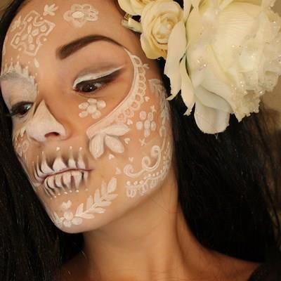 Beautiful sugar skull makeup, ethereal Dia de los Muertos make-up idea #halloween #diadelosmuertos #sugar skull