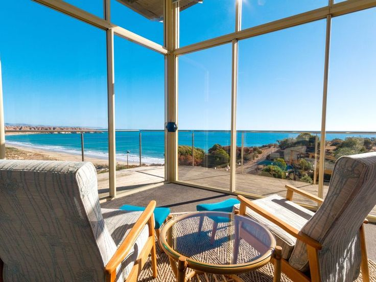 The Sky Suite upstairs, Maslin Beach  Stayz $286pn 2p