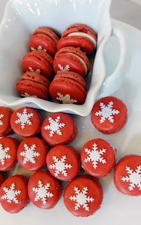 This needs to be added to my Christmas Traditions! Red Velvet Christmas Macarons