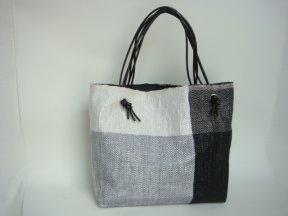 Sheila Odessey: plastic bags into trandy bags | torebki foliowe na torby trendowe