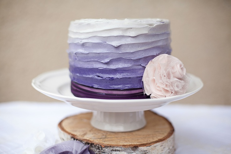 This cake is a beauty!  via EAT DRINK PRETTY