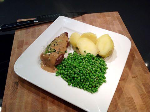 Varkenshaas met gekookte aardappels doperwtjes uit 1 Airfryer