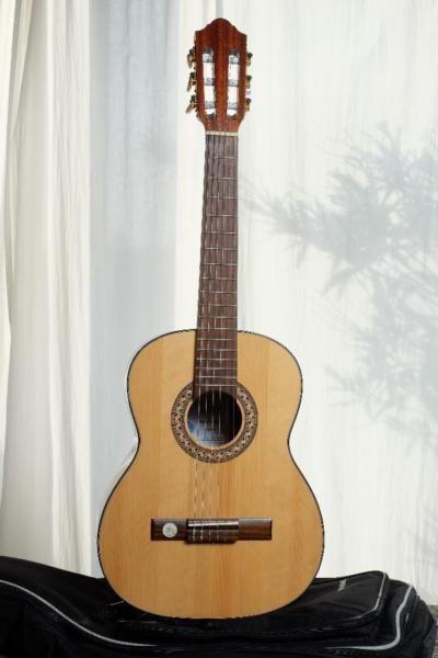 die besten 17 ideen zu gitarrenhals auf pinterest gitarren raum alte gitarren und deko. Black Bedroom Furniture Sets. Home Design Ideas