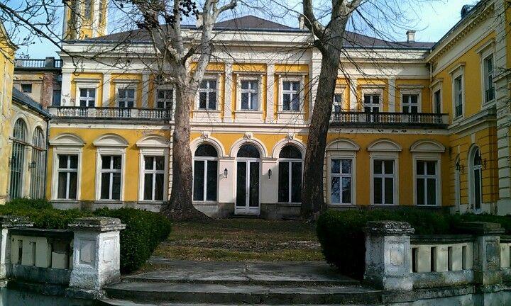 Károlyi kastély itt: Füzérradvány, Borsod-Abaúj-Zemplén megye