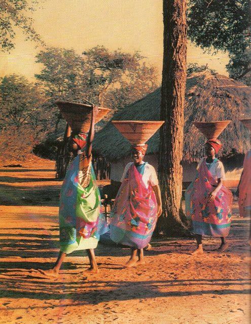 Tsonga women,Gazankulu,South Africa. TRIP DOWN MEMORY LANE: TSONGA PEOPLE: SOUTH AFRICAN PEACEFUL AND CONSERVATIVE TRIBE