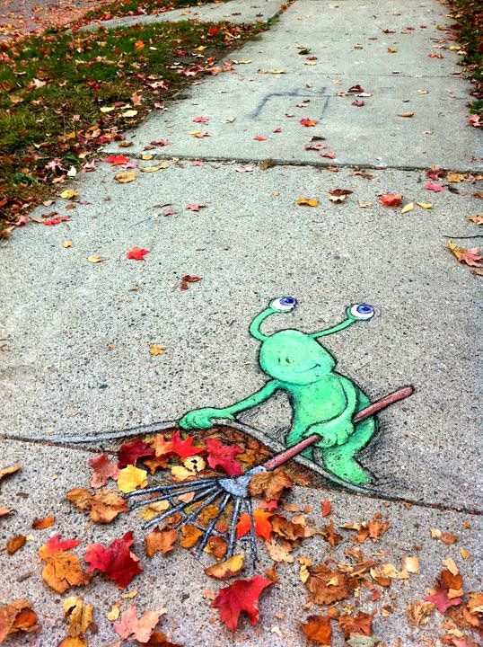 Raking leaves: Chalkart, Sidewalk Art, David Zinn, Stuff, Street Art, Davidzinn, Sidewalk Chalk, Chalk Art, Streetart