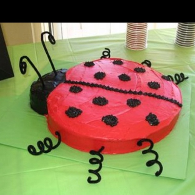 lady bug cake - cute and easy!