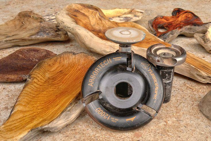 Arbortech ist eine Firma aus den USA, die sich auf Schnitz- und Bildhauerwerkzeuge spezialisiert hat. Das Unternehmen füllt mit ihren Produkten eine Sparte, die nur von wenigen Herstellern bedient wird. Gerade für Holzkünstler, Kettensägenschnitzer oder Holzbildhauer sind die Arbortech Werkzeuge mittlerweile unverzichtbar. Da die Arbortech Werkzeuge* aber noch relativ unbekannt sind, will ich Ihnen heute […]