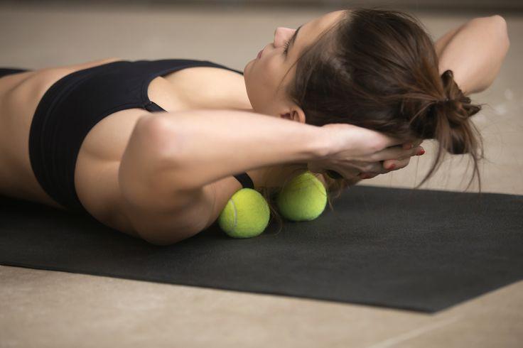 ほうれい線は肩甲骨から引き上げるプロが寝ながらやってる顔リフトアップ方法
