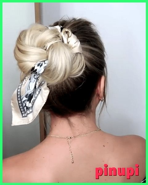 Messy Updo With A Scarf Hairstyles 2019 A Chic Style Of Hairstyle That Would Get You Going For All Your Casual Lazy Days Spring Mornings Sunny After