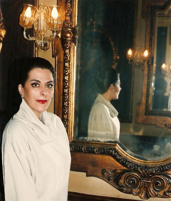 Gorgeous portrait of MaryVitas Asensio. Is reflected in an antique mirror in  Caffè Florian of Piazza San Marco, Venice, Italy,  in 2000.  Photographed by Umberto Sindoni.  Caffè #Florian a #Venezia San Marco - Florian #cafè in #Venice Saint Mark #travel #travelinspiration #italy #italia #veneto #italianalluretravel