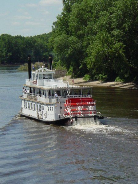 Mississippi River Cruise  Padelford Riverboats   To take a trip on the Mississippi River  by riverboat.