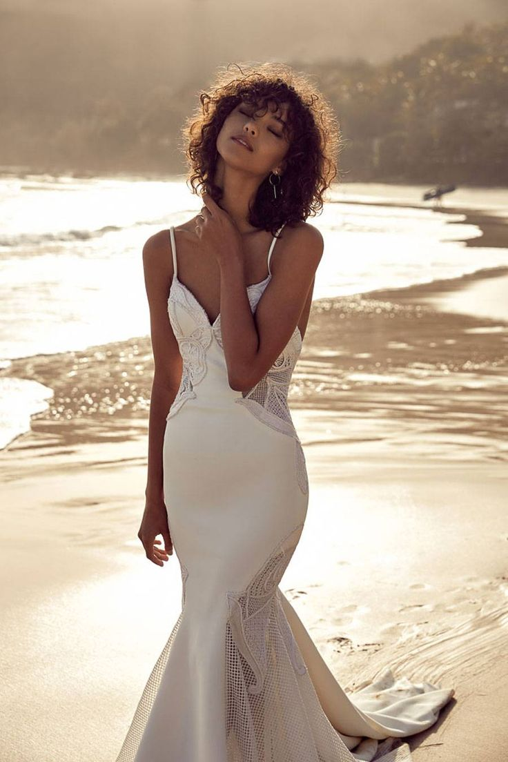 Modern Wedding Dresses for Fashion-related Brides :: Untamed Paradise Fashion selected by One Day