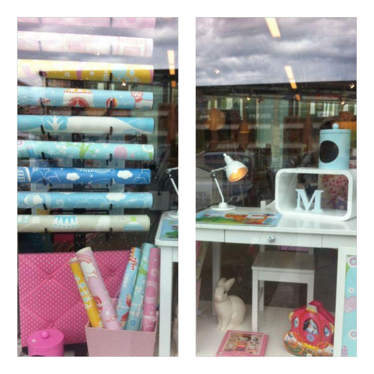 Window display wallpaper collection Majvillan.
