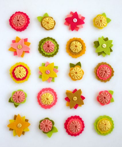 felt flower charms #felt #sewing