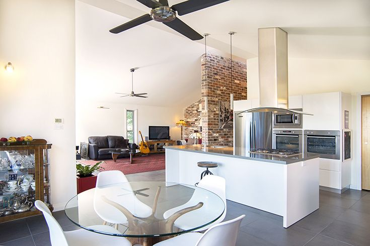 environmentally conscious contemporary new build in the blue mountains by craig gilchrist builder architectural draftsperson