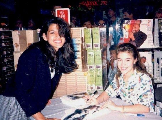 Eva Mendes getting Alyssa Milano's autograph in 1989.