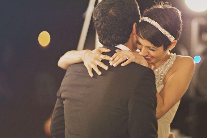 complicité: Bride Grooms, Wedding Photography, Shorts Hair, Wedding Hairs, Grooms Wedding, Headbands, Backyard Weddings, Cute Photography, Shorts Wedding Hair
