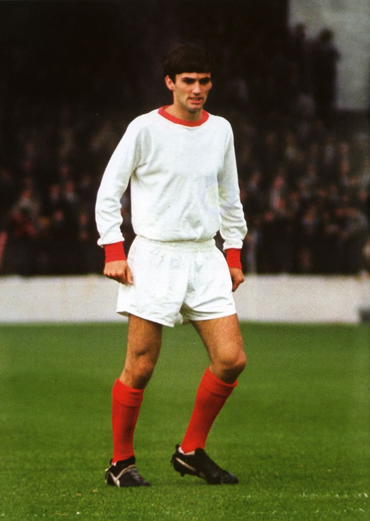 Debutant, George Best