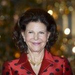 """STOCKHOLM - Koningin Silvia van Zweden viert maandag in besloten kring haar 70e verjaardag. Op Drottningholm Slott, de koninklijke residentie is 's avonds een diner voor de jarige waarvoor alleen naaste vrienden en familie zijn uitgenodigd. Het samenzijn met vrienden is belangrijk zo liet Silvia weten. """"Ik wil proberen meer tijd voor hen vrij te..."""