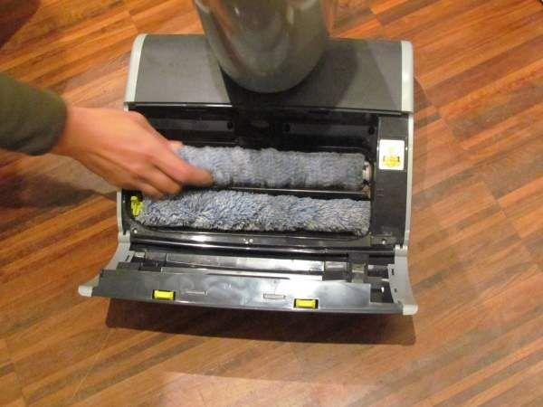 Aqua Trio Philips garantisce una reale pulizia, rapida ma accurata, che assicura la raccolta e la definitiva rimozione della polvere.