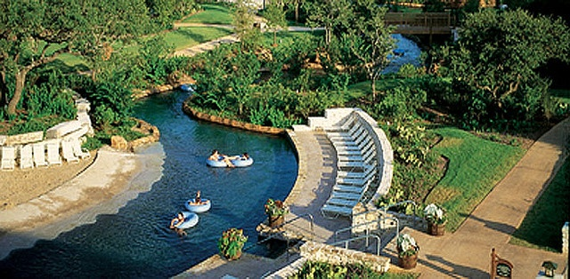 950 feet of Ramblin' River fun @ the Hyatt Regency Hill Country Resort in San Antonio, Texas!