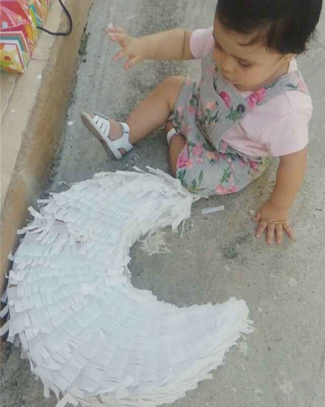 Luna y su luna #babybirthday #babyfashion #moon #luna #piñata #thosepeaches #bestgift
