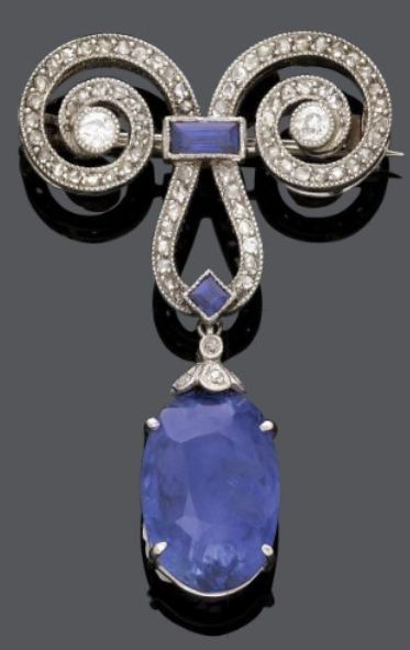 SAPPHIRE DIAMOND BROOCH, ca. 1910. Platinum. Suspending an oval-cut sapphire and set with rose-cut and circular-cut diamonds. #Edwardian #BelleEpoque #antique #brooch
