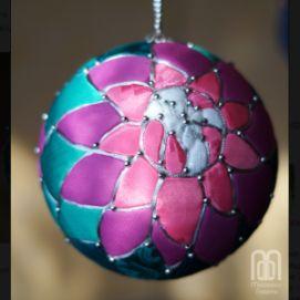 Печворк-шарик с водяными лилиями