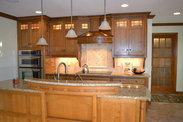 Craftsman style kitchen kustom home design pinterest for 7 x 9 kitchen cabinets