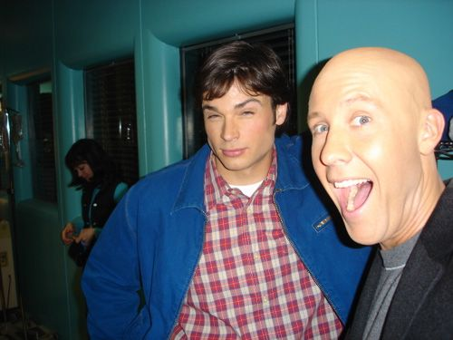 Tom Welling and Michael Rosenbaum (Clark Kent and Lex Luthor) smallville ** i love this picture