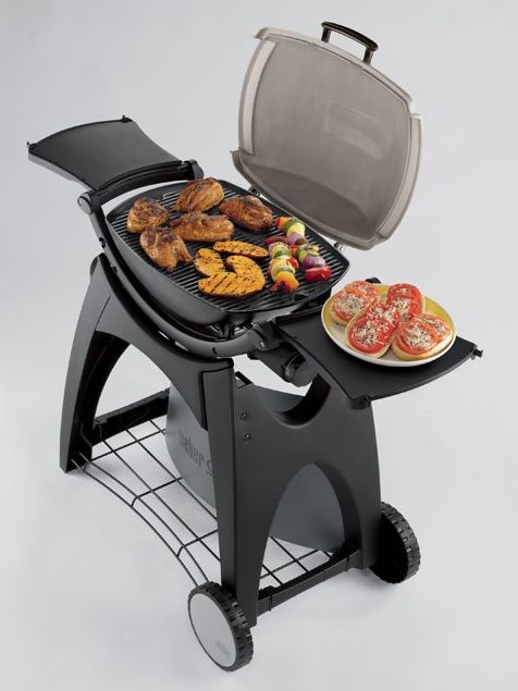 If you want all the performance of a Weber gas barbecue but in a smaller package, look no further than the newly designed Midi Q2200. The Midi Q2200 comes with a 2 piece porcelain enamelled cooking great that spreads the heat evenly over entire cooking surface and with the permanent cart you can easily move to the best position in your garden.