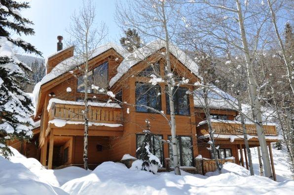 Nos acabamos de enamorar!! Esta es la viva imagen de un invierno blanco! En #Colorado #USA Leslie y su familia están encantados de intercambiar su casa contigo