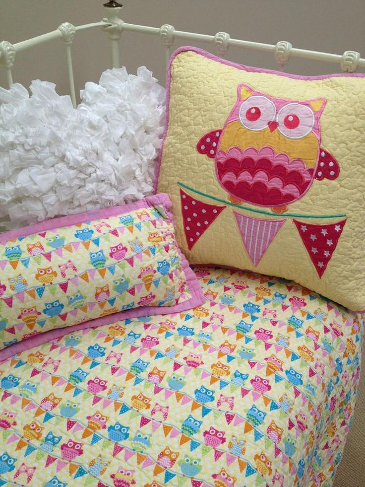 This cute Owl cot quilt is from the Lovely Linen Store. My favourite features of this cot quilt is the beautiful combination of pastel colours and the totally reversible design. The reverse is pink with cute little white polka dots, so basically two cot quilt options for the price of one! #LovelyLinen #OwlCotQuilts #GirlsCotQuilts #LovelyLinenStore