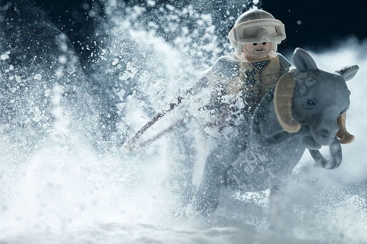 15 Epic Star Wars Movie Scenes Recreated With LEGOs And Baking Soda