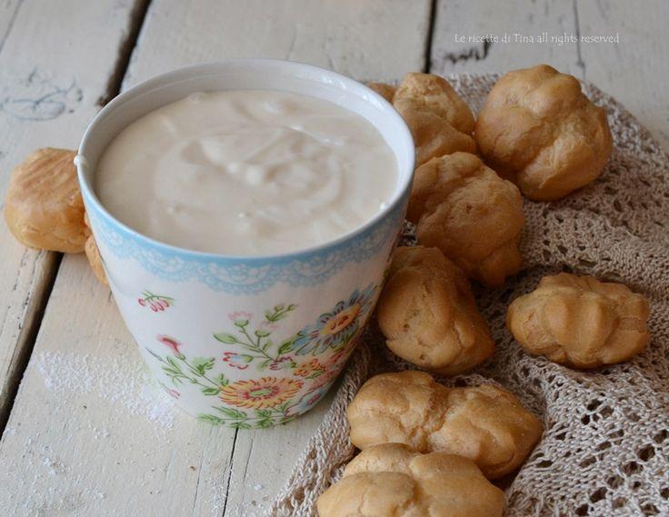 Crema pasticcera al mascarpone,questa golosa crema è stata usata per farcire panettone /pandoro per le festività natalizie