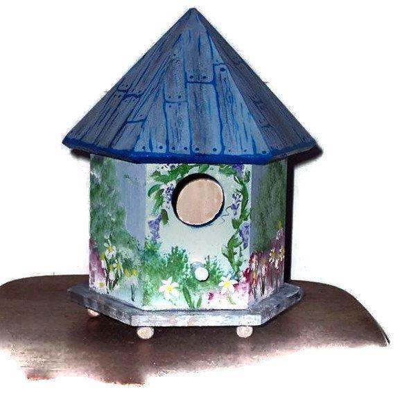 hand painted birdhouse roofs | Painted Bird House - Bird House Design