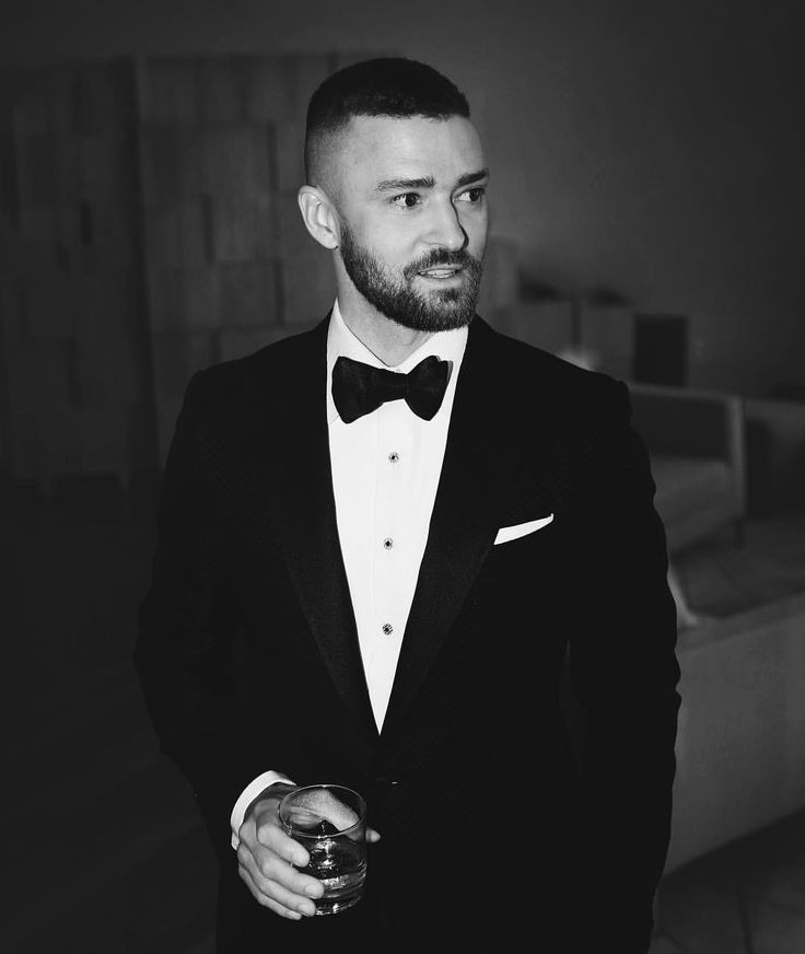 """Mi piace"": 850.3 mila, commenti: 4,200 - Justin Timberlake (@justintimberlake) su Instagram: ""#Oscars #TomFord"""