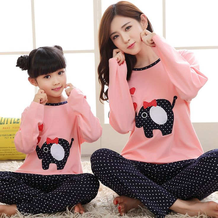 Maggie's Walker Family Christmas Pajamas Set Matching Mother and Daughter Clothes Mom Son Baby Pajamas Korean Style Shirts