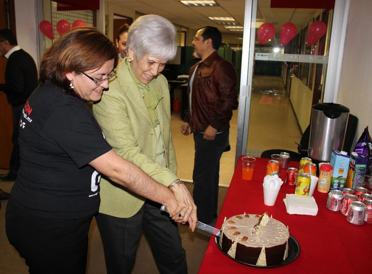 La Secretaria de Cultura en Código DF. La Secretaria de Cultura felicita a la estación de radio por Internet, que celebra su V aniversario. Foto: Dardané Pérez Romero / Secretaría de Cultura.