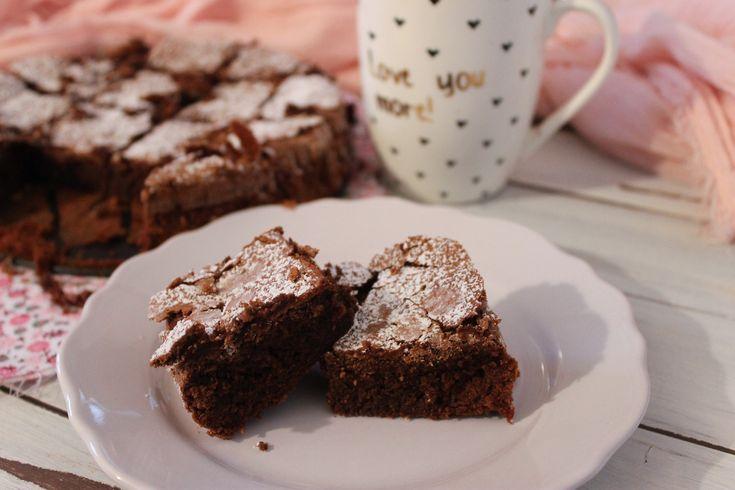 La torta tenerina light è una variante del classico dolce ferrarese realizzato in questo caso senza burro. Ecco la ricetta ed alcuni consigli utili