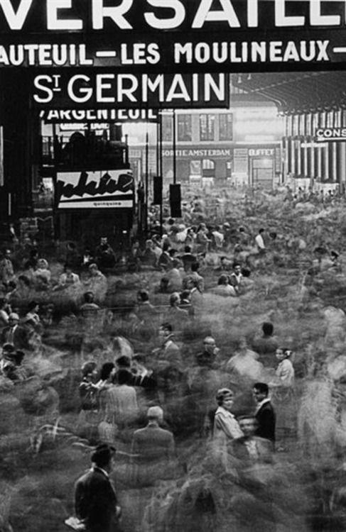 Frank Horvat • La gare de Paris-Saint-Lazare, 1950's