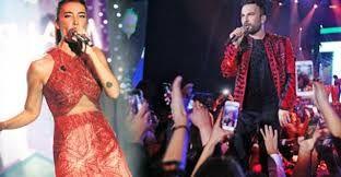 Tarkan ve Sıla Kırmızıyı Tercih Etti  Ünlü şarkıcı Tarkan, yılbaşı gecesi Kıbras'ta sahne aldı. Megastar ve Sıla kıyafet seçiminde kırmızıyı tercih etti. Tarkan geceye ceketleri ile damgasını vurdu.