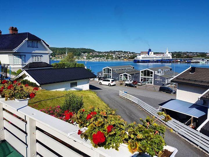 View at breakfast #sandefjord #vestfold #norway . . . . . #bestofnorway #ilovenorway #visitnorway #sommer http://ift.tt/2udsRYc