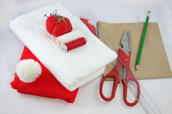 Yılbaşı Noel Baba Şapkası Nasıl Yapılır Resimli Videolu Anlatım daha fazla bilgi için; http://www.klasbilgi.com/yilbasi-noel-baba-sapkasi-nasil-yapilir-resimli-videolu-anlatim/