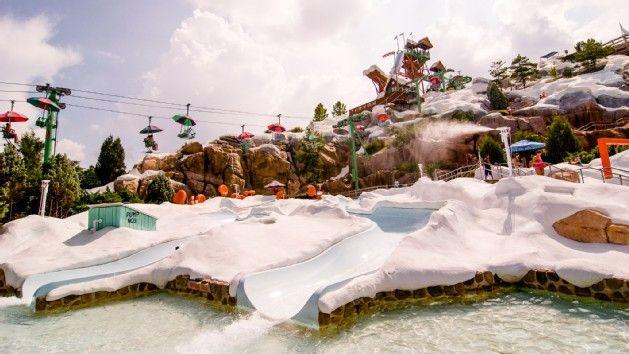 Disney World - Blizzard Beach Een super leuk water park, met vele soorten glijbanen! Vooral leuk dat het thema van dit park lijkt op een ski gebied! Geweldige combinatie! Zomers zwemmen in een ski gebied! :-D