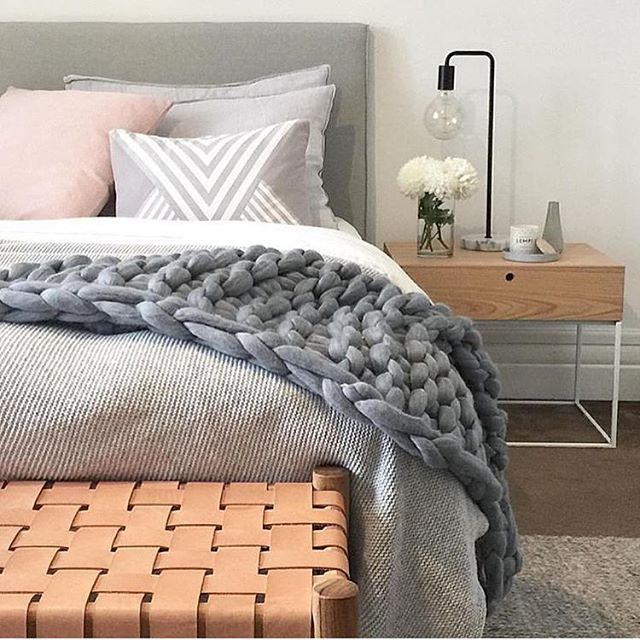 Crushing on this cosy bedroom styled by @littlelibertyrooms In case you missed…