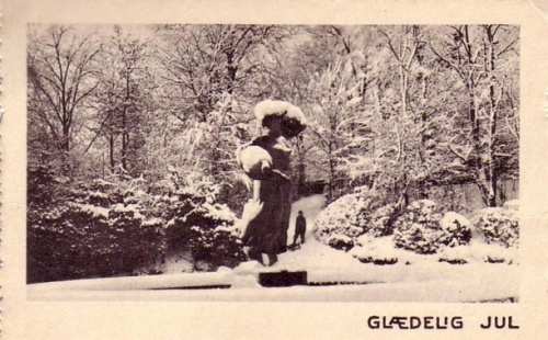 "Older christmas postcard, with ""Struerpigen"" covered in snow."