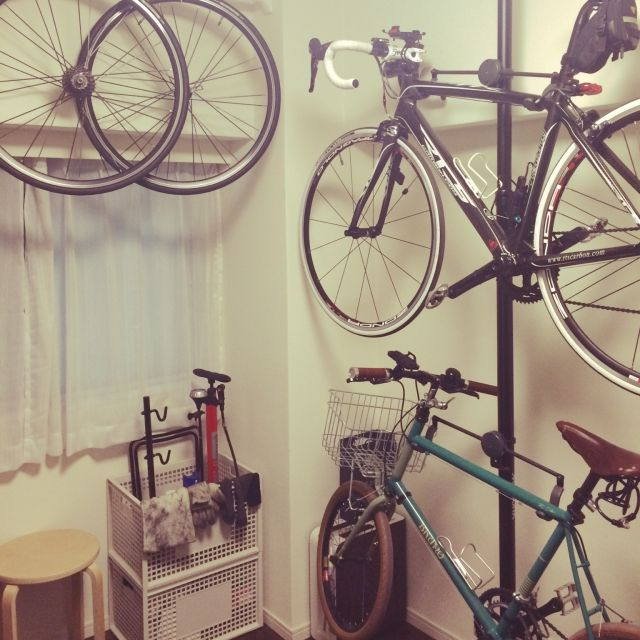 mokuさんの、自転車壁掛け,自転車置場,無印良品,男前,自転車部屋,ガレージ,ロードバイク,部屋全体,のお部屋写真