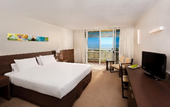 $102 Mercure Cairns Harbourside